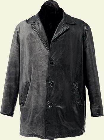 Avant-Après la restauration du manteau de cuir
